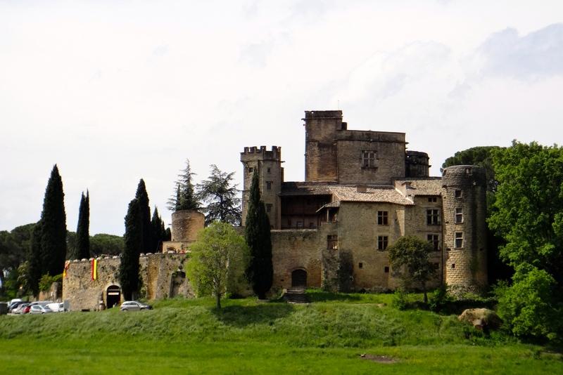 Lourmarin_chateau