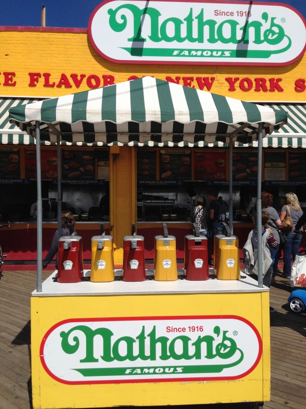 NYC_Coney_Island_Nathans_02