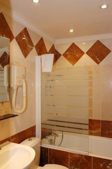 Hotel_Familia_banheiro
