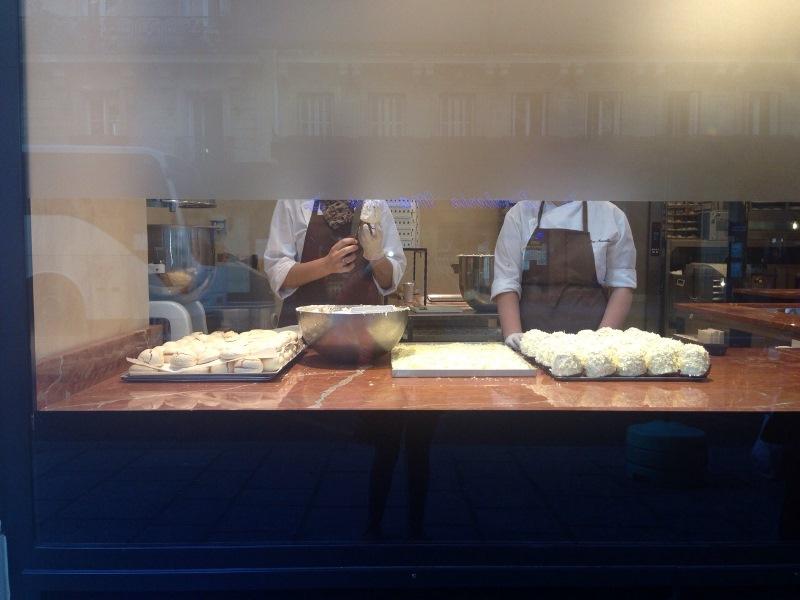 Restaurantes_Paris_AuxMerveilleux_vitrine