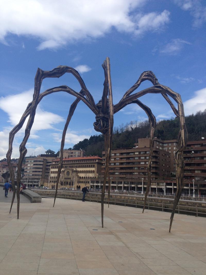 Pais_Basco_Bilbao_Guggenheim_Mama