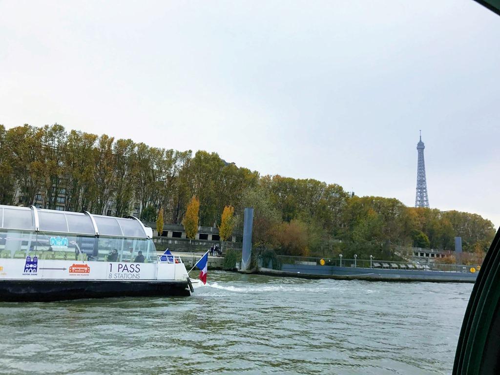 como economizar em Paris Batobus