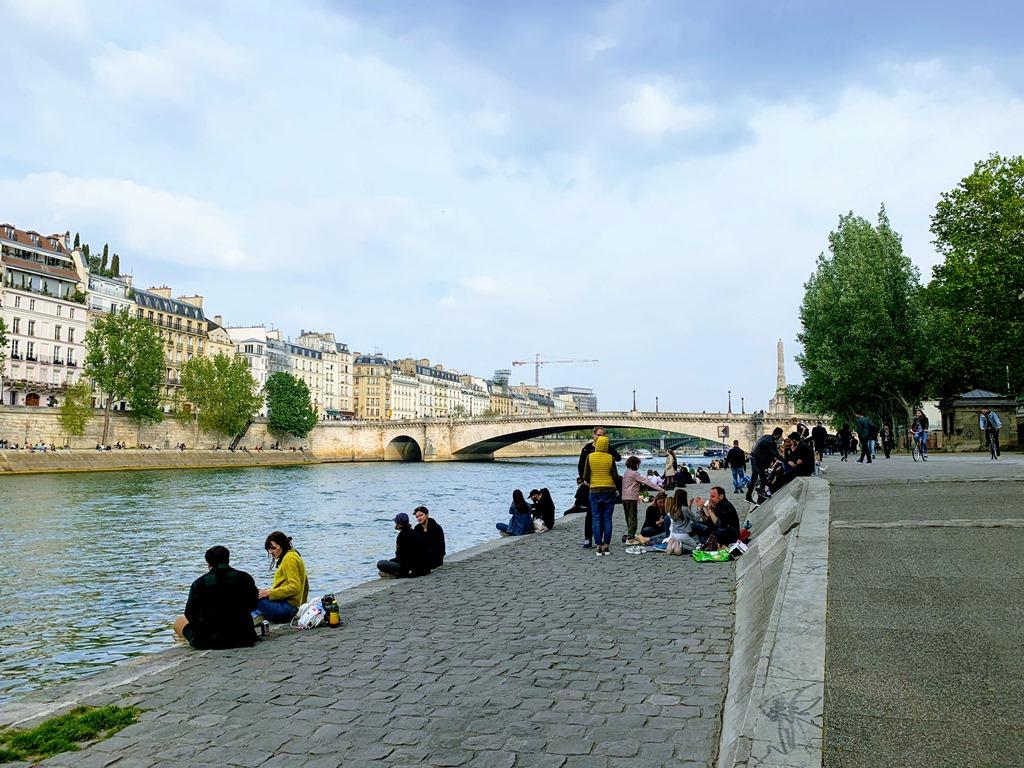 como economizar em Paris Rio Sena